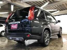 メーカー保証又は1年間走行距離無制限の保証付きで納車しています♪万が一の場合はお近くのディーラーにて対応でき、安心を提供しています♪さらにはカーズタウンアウトレット保証にて最長3年までカーバー♪
