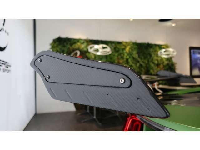 ・ i8専用エナジーMSステンレスマフラー・・・378,000円(税別)  ※こちらはスポーツ走行モデルとなります。 ・ マフラー装着費用・・・40,000円(税別)