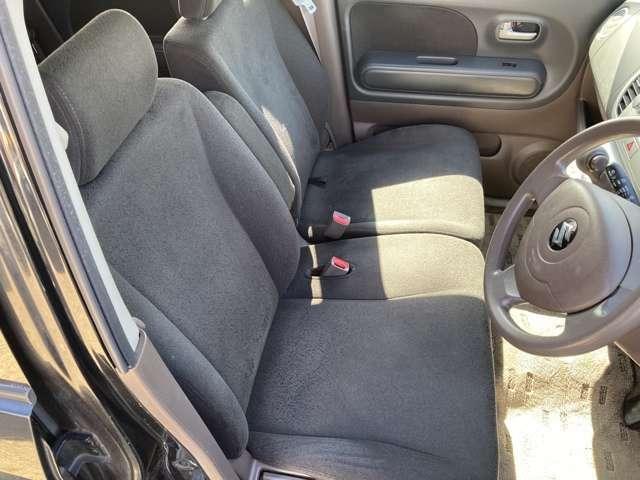 フロントシート!!ベンチシートなのでゆったりできます!!