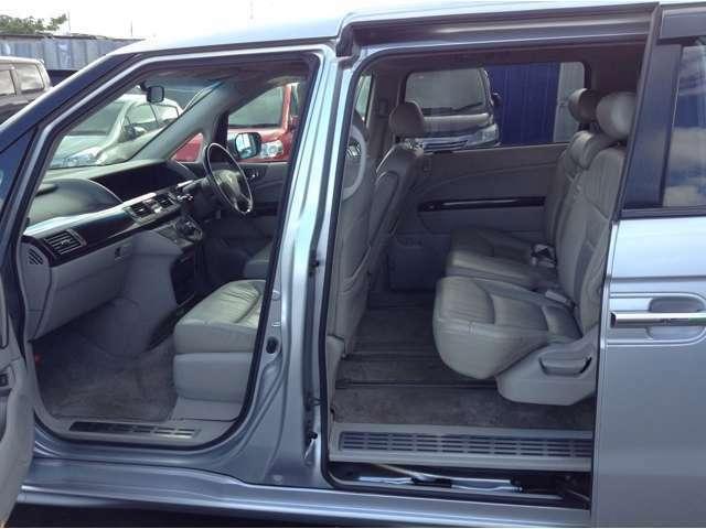 アスク千葉北業販センターは板金修理も行っています。擦り傷・へこみ、事故で動かない車、放置しっぱなしで動かなくなってしまった車などなど全てOKです!積載車で無料で引き取りに伺いますので宜しくお願いします!