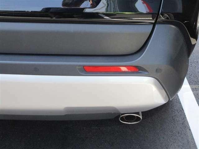インテリジェントクリアランスソナー【ICS】駐車時や、低速走行時におけるアクセルの踏み間違いや踏みすぎなどで起こる衝突を回避、または衝突被害の軽減に寄与するシステムです。