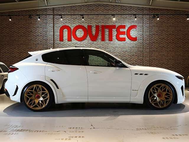 NOVITEC CAN-Tronicサスペンションモジュールによってオリジナルより25mmロワリング。
