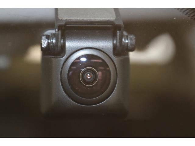 流行のドライブレコーダーも装着!