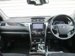 運転操作がしやすいドライビングポジションと良好な視界*