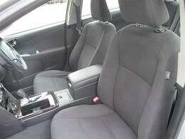 【運転席パワーシート】 運転席の位置調整はパワーシートなので電動です!