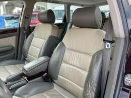 運転席、助手席です。左ハンドルです♪稀少なお車です。お気軽にお問い合わせください。お問い合わせは011-299-5556又はsstyle88@gmail.comまで