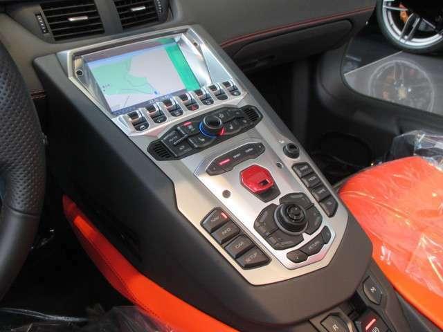 HDDナビゲーション マルチメディアシステム Bluetooth ランボルギーニサウンドシステム メディアインターフェース ETC車載器 オートマチックエアコンディショナー