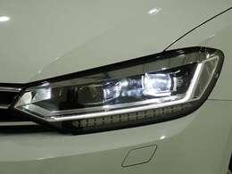 ◇純正LEDヘッドライト装備、明るく夜道を照らします◇