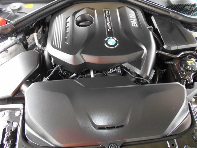 B48B20A型2.0L直列4気筒DOHCターボエンジンは馬力184ps・トルク27.5kgを発生し、鋭い吹け上がりが魅力的ですよ。