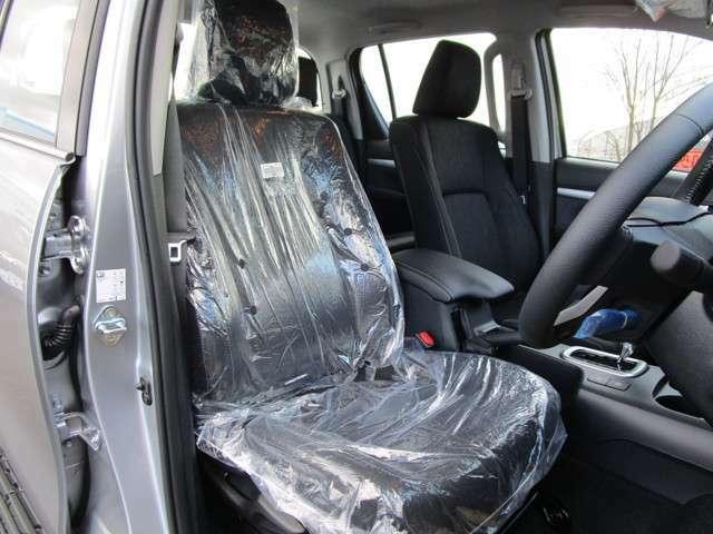 車内温度を快適に保てるオートエアコンに付き!
