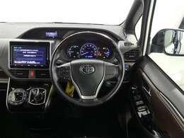 ★オートエアコン付きなので一度、温度を設定すれば自動的に過ごしやすい温度に調整してくれます。車内はいつでも快適空間ですね♪