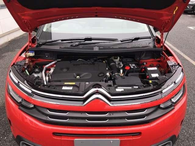 2.0リッターディーゼルターボエンジン!力強い加速性、優れた燃費と環境性能。走る楽しさという、車の大切な価値を高めながら、同時にCO2削減やクリーンさという時代のニーズにもこたえる新しいエンジンです。