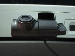 ■ 装備3 ■ 前後ドライブレコーダー:いまや必需品と言っても過言ではありません!後方も録画対応しており安心です!