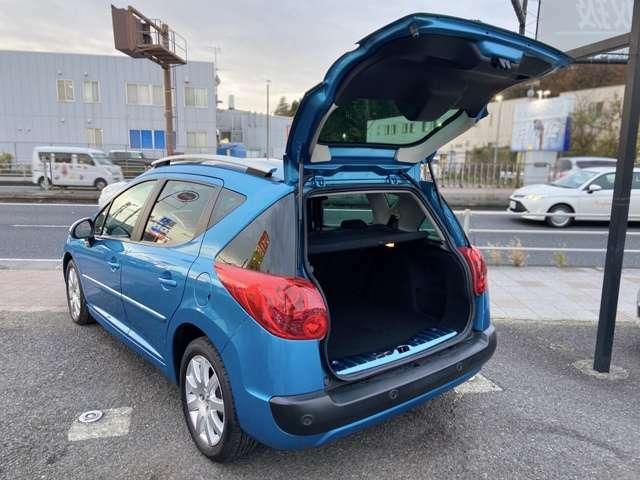 輸入/国産車、最新モデルの新車からビンテージカーお取り扱い可能です♪週4会場以上のオークションへ現車確認の上、仕入れしております♪