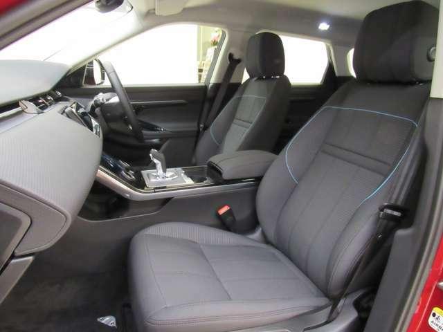ゆったり使えるナビシート 快適なドライブをお楽しみください。