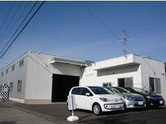 お客様にゆっくり、安心して頂けるよう、清潔感のある商談スペースを設けております。
