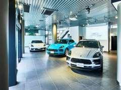 併設工場OPENしました。専用リフト6ベイを有する国立工場。