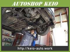 当店の販売するお車は購入後も安心してお乗り頂けるよう整備士が点検整備を行った上でご納車致します。