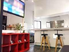 カフェも併設しています!ランチのみ営業11時から15時まで!