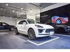 「ポルシェセンター仙台」のショールームには最新モデルを常時複数展示しており、試乗車もご用意しております。
