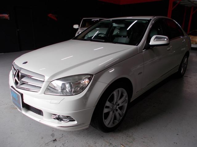 ディーラー整備車両の程度良好な人気ホワイトC200コンプレッサーアバンギャルドの入庫です!