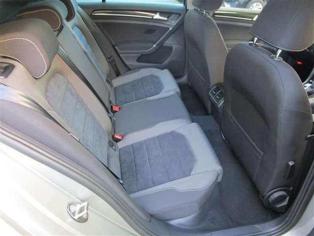 男女問わず乗りやすいシートです。スペースも十分な広さを確保しています。