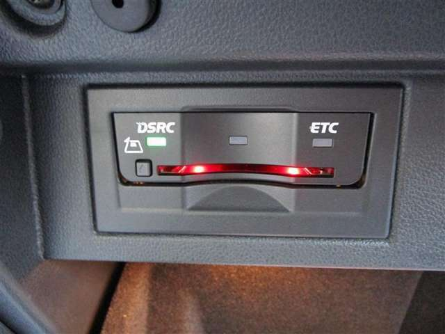 暑い日や寒い日、雨の日も窓を開ける必要がないので快適ドライブが楽しめます。