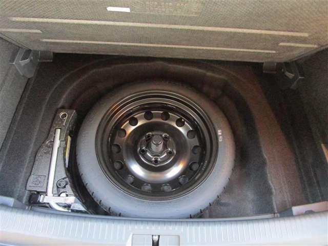 パンクや事故などのトラブル発生時にすぐタイヤを交換して走行できます。
