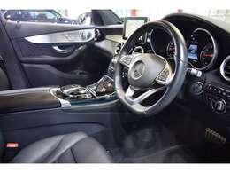 AMGエアロ・AMG19インチAW・自動リアゲート&ハンズフリーA・リア5面プライバシーガラス・ダイナミックセレクト・パドルシフト・アンビエントライト