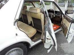 HP:http://car-miracle.com/  当店は徹底したコストダウンでロープライス店には画期的な修復歴無し車を中心とした品揃えとなっております!!