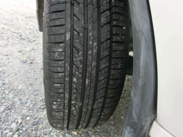 タイヤ新品