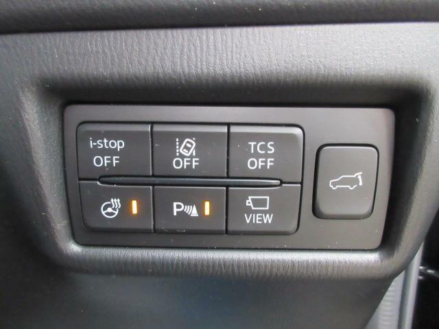 便利な電動バックドア付き!キーレスでの開閉も可能です。ハンドルヒーターのON/OFFもこちらで操作できます◎