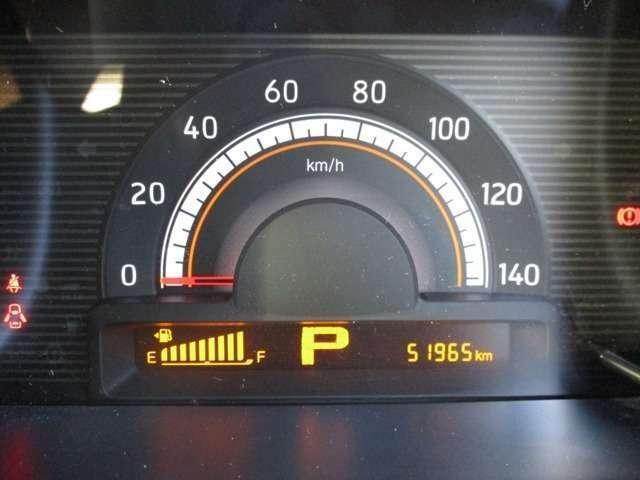 メーターパネル、走行距離は約5.2万KM