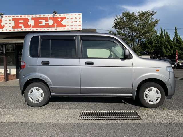 CAR REXは岡山市南区藤田にございます。大通りの30号線沿いです!玉野方面へ向かって左手にありますので、ぜひ遊びにお越しください♪来店予約、心よりお待ちしております!