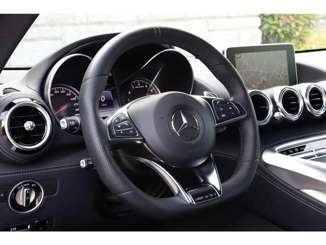 先進の安全運転支援システム「レーダーセーフティーパッケージ」を標準搭載。周囲のクルマや状況を認識してドライバーをサポート致します。