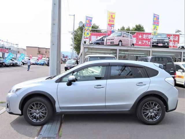 様々な車種を取り揃えておりますので、お車をお探しの方は是非1度、足をお運びくださいませ。良い!安い!安心!をモットーに、中古車販売士がお客様に寄り添ったお車のご提案をさせて頂きます(*^^*)