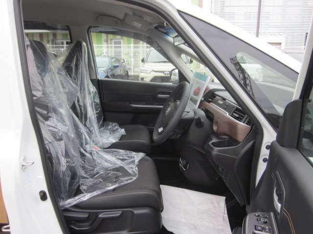 ご購入特典として、半年ごとに無料点検を実施しております。お車の管理はお任せ下さい。