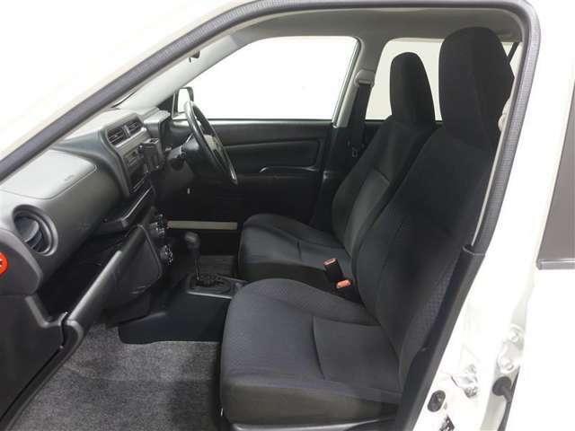 フロントシートは、乗り心地よく快適に過ごせますよ。