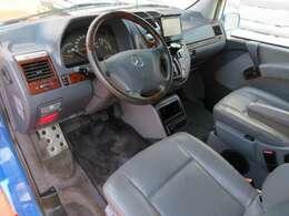 高さのあるシートとなっており、前方が見やすく、運転しやすいお車です♪シートリフター機能も装備しておりますので、高さ調整も可能です♪自分に合ったお好みの位置で快適にお乗り頂けます♪