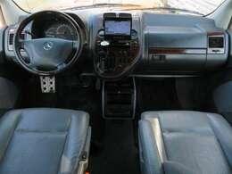 広々とした車内です♪ゆったりと乗りたい!!という方にはオススメのお車です♪それぞれのシートが独立しており、スペースが確保されておりますので快適にお乗り頂けます♪