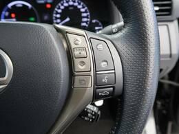 【プリクラッシュセーフティ】前方の車両等を検知し、衝突しそうな時は警報で注意を促し、ブレーキを踏む力をサポート。ブレーキを踏めなかった場合は衝突被害軽減ブレーキが作動、衝突回避をサポートします。
