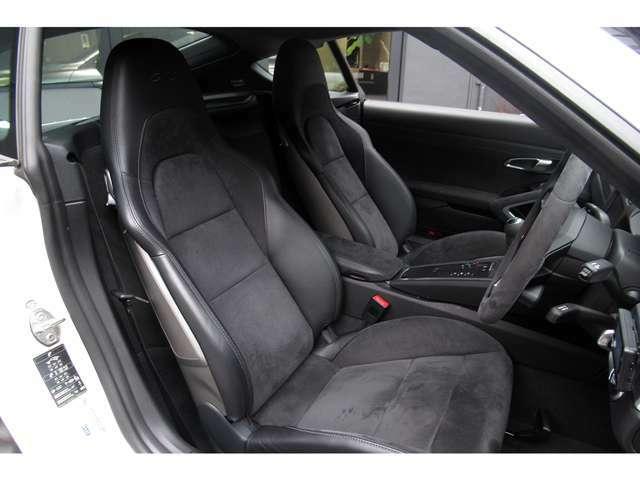 利便性・安全性を高める「エントリー&ドライブ システム」と「レーン チェンジ アシスト」がオプションで選択されている事も見どころで御座います。