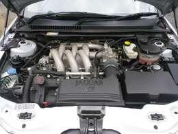 V6エンジン。