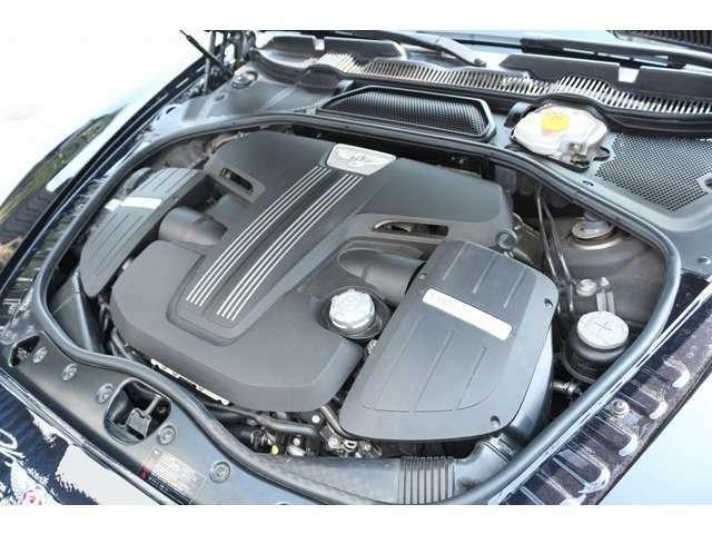 4.0リッターV8ツインターボエンジンになります! W12エンジンに負けない走りやパフォーマンスをお楽しみ下さい!
