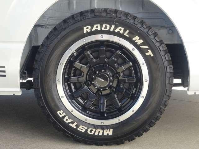 ESSEX製2018年新作EX16inホイールを装着!タイヤはラジアルタイヤのMADSTARタイヤ!ホワイトレタータイヤでCタイヤ企画の為車検対応モデルとなります。