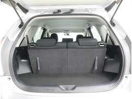 サードシートを格納すれば広々スペースも可能です!