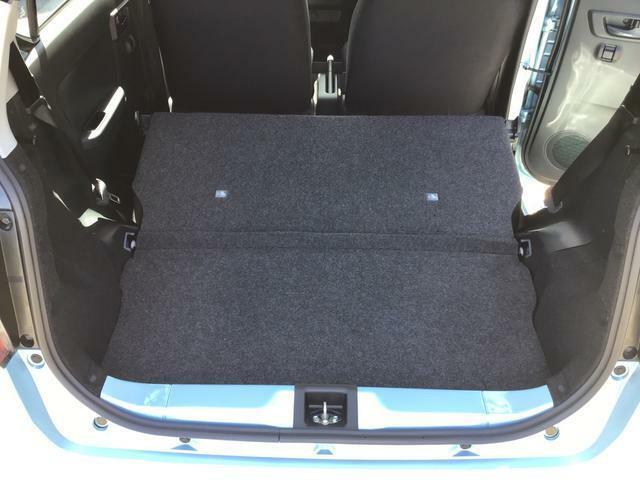 今の車はオーディオレスが一般的。ナビ装着率は60%以上(当社調べ)。ぜひ、純正ナビのお取り付けをおすすめいたします。