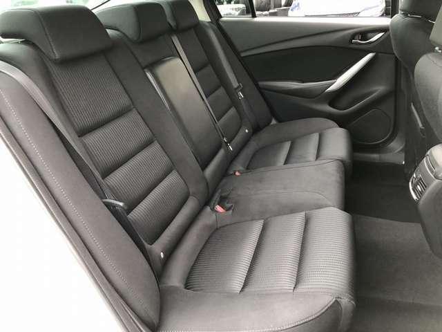 車内もキレイで嫌な臭いもありません☆気になる方は内装のスチームクリーナーも施工可能です♪