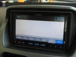 ナビゲーションはパイオニア製メモリーナビ(AVIC-EV25)が装着されております。AM、FM、CD、ワンセグTV、Bluetoothがご使用いただけます。初めて訪れた場所でも道に迷わず安心ですね!