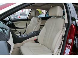 フロントシートにはベンチレータ機能が備わっております。